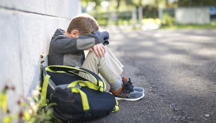 دلایل عدم تمایل به مدرسه رفتن کودکان