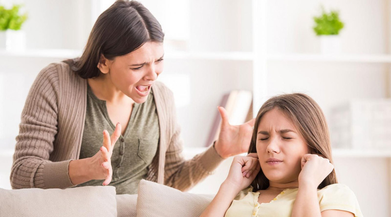کنار آمدن با والدین