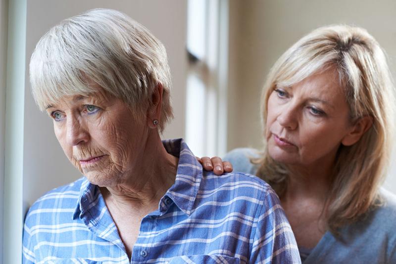 والدین سالمند سوء استفاده گر